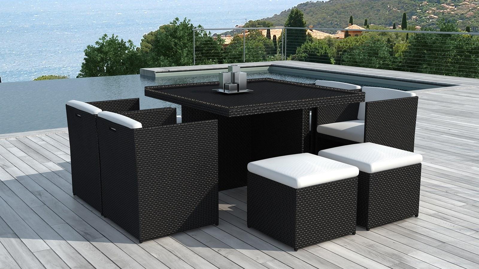 Table et fauteuils de jardin encastrables en résine tressée noire ...