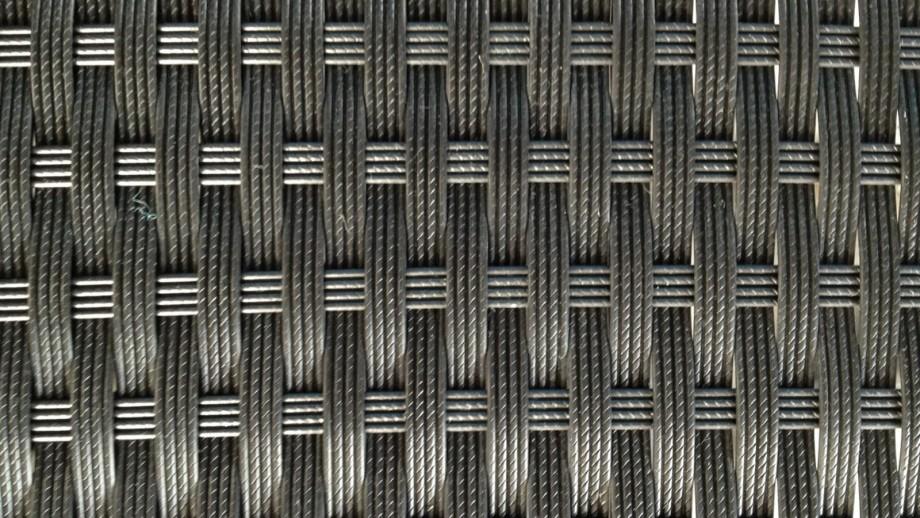 Table et fauteuils de jardin encastrables en résine tressée noire - Collection Cancun