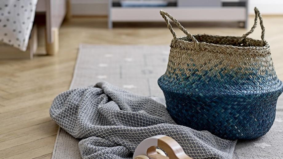 Panier à anses bicolore bleu et naturel en herbier - Bloomingville