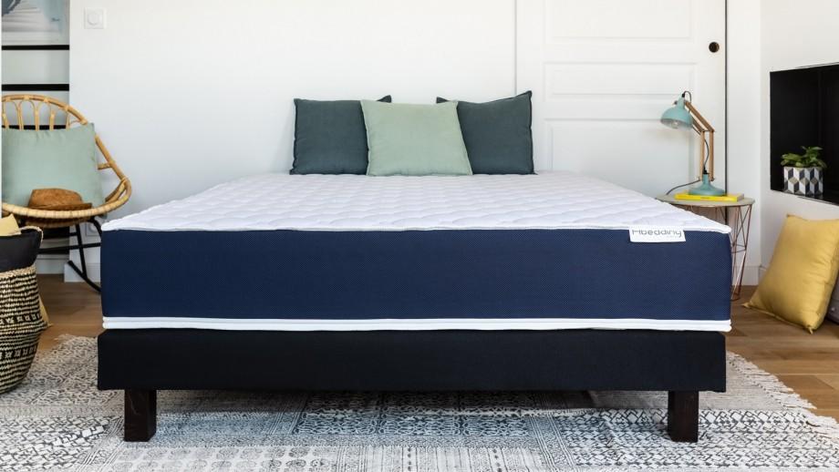 Matelas mousse à mémoire de forme 140x190 Visco Fresh Hbedding + 2 oreillers à mémoire de forme 60x60cm