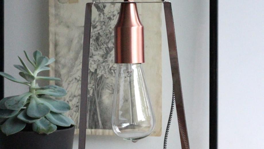 Lampe à poser en métal cuivre brossé - Collection Edward - Red Cartel