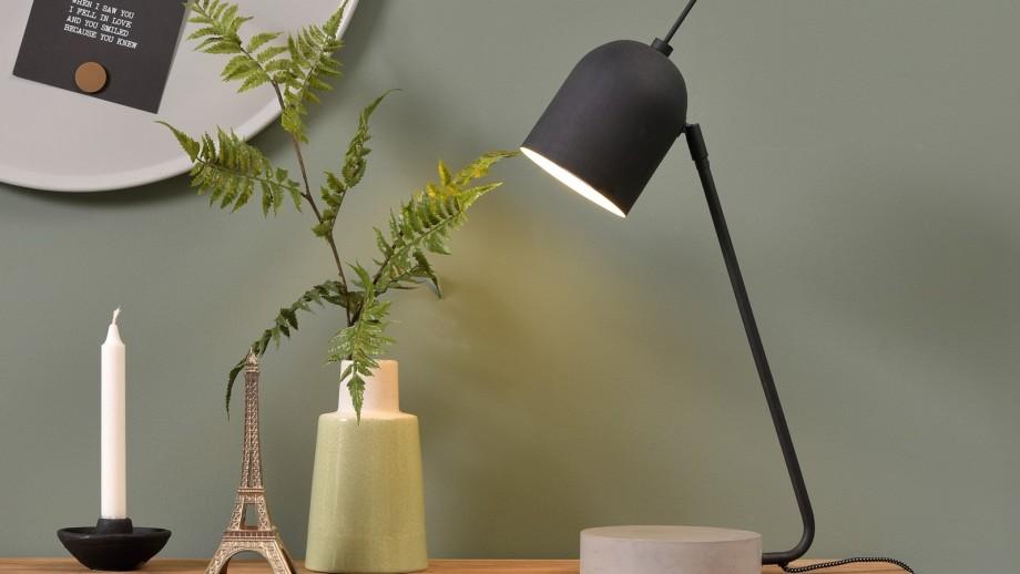 Lampe à poser base en ciment abat jour en métal noir - Collection Madrid - It's About Romi