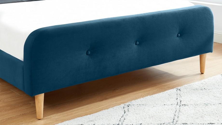 Lit adulte scandinave en velours bleu paon capitonné, sommier à latte, 140x190 - Collection Mark