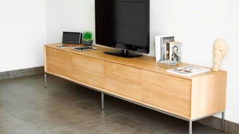 Grand meuble TV en chêne massif avec 2 tiroirs et 2 niches de rangement - Collection Kalmar
