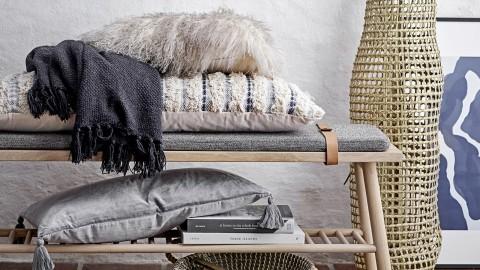 Banc en chêne clair avec coussin gris - Collection Pedro - Bloomingville