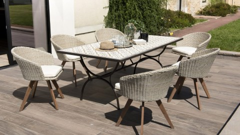 Salon de jardin 6 places en carreaux de ciment et rotin synthétique avec coussins écrus - Collection Casablanca