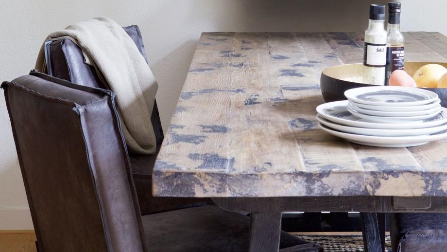 Table à manger en pin massif noir piètement en bois - Collection Craft