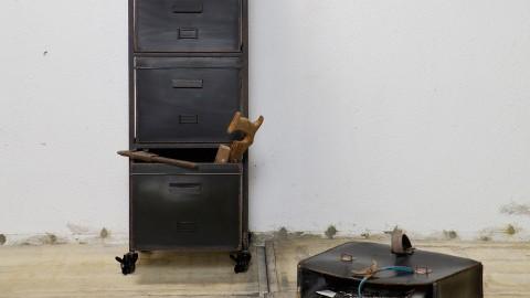 Meuble Colonne en métal – Collection Stuff
