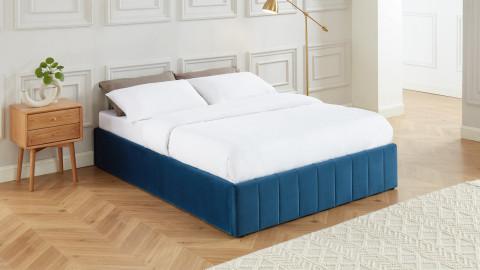 Lit coffre 140x190cm en velours bleu canard + sommier relevable à lattes - Collection Ava - ELLE DECO