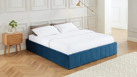 Lit coffre 160x200cm en velours bleu canard + sommier relevable à lattes - Collection Ava - ELLE DECO