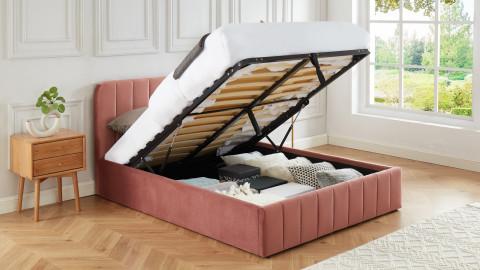 Lit coffre 140x190cm en velours rose blush avec tête de lit + sommier à lattes - Collection Ava - ELLE DÉCORATION