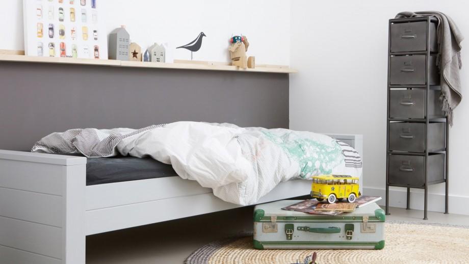 Lit 90 x 200 cm en pin béton gris – Collection Dennis – Woood