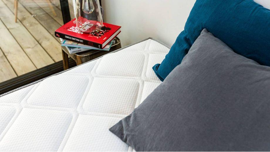 Ensemble Memo Luxe 90x190 – Matelas mémoire de forme 90x190 + sommier tapissier