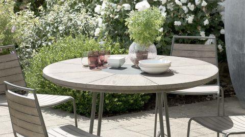 Table de jardin 4/6 pers - ronde bois en teck teinté grisé pieds en métal - Collection Emilie