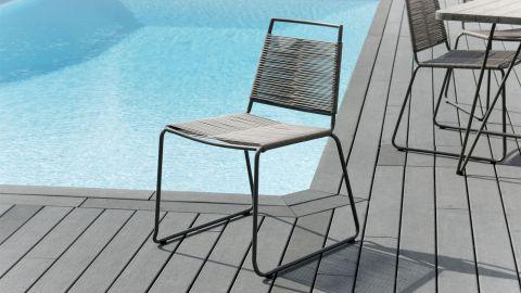 Lot de 2 chaises empilables en corde synthétique et métal – Collection Emile