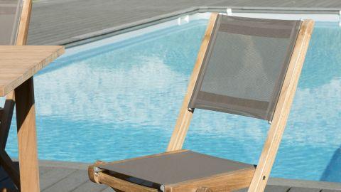 Lot de 2 chaises de jardin pliantes en teck et tissu taupe – Collection Fun
