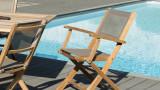 Lot de 2 fauteuils de jardin pliants en teck et tissu taupe – Collection Fun