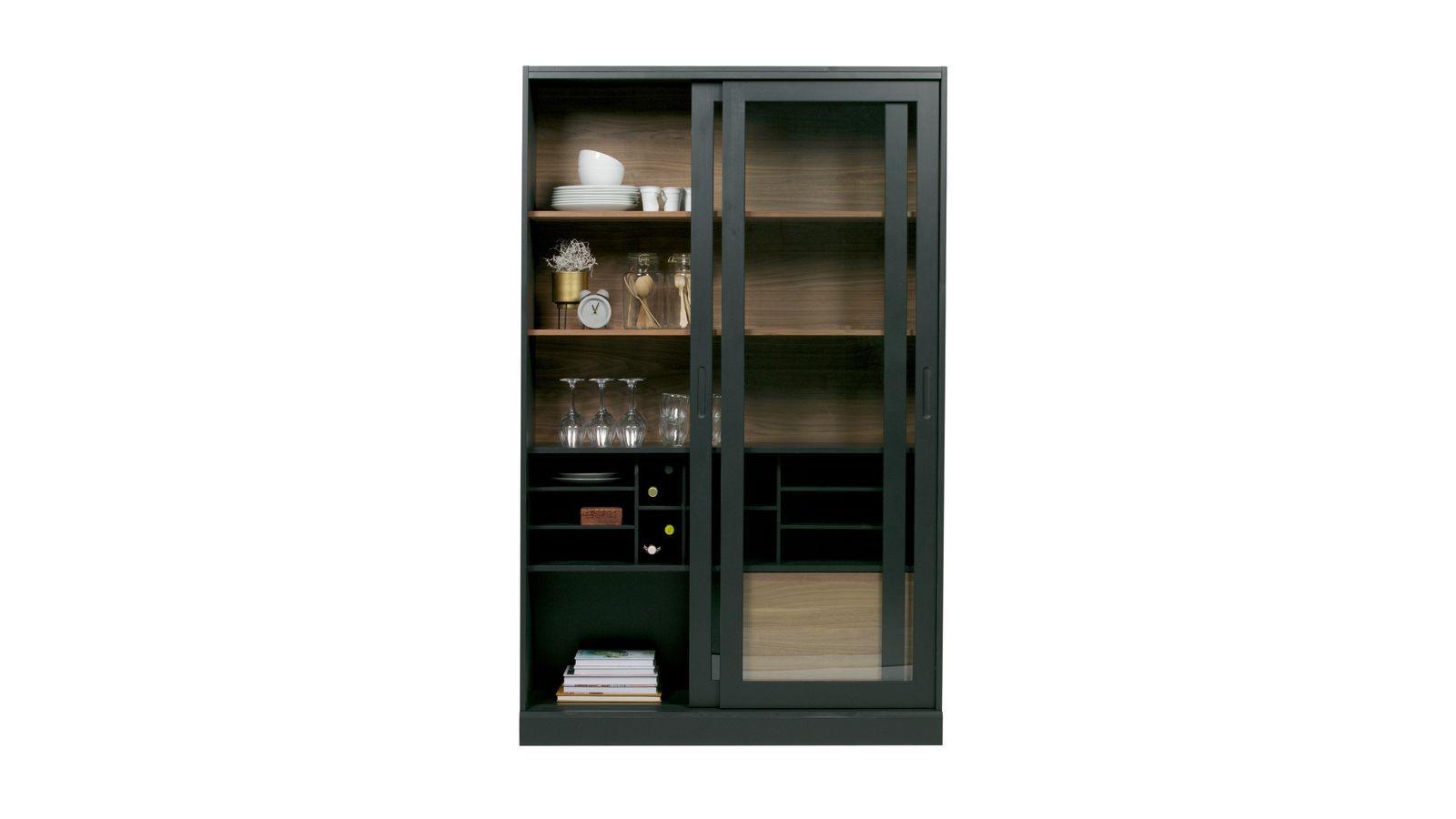 vitrine en bois noir