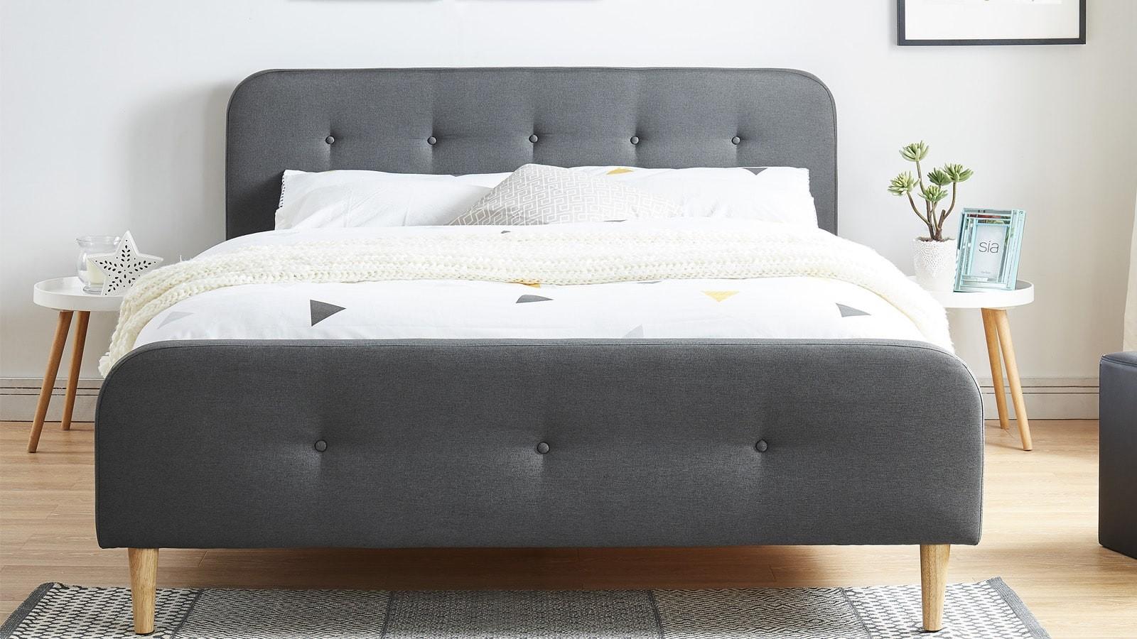lit adulte scandinave en tissu gris fonc capitonn sommier latte 160x200 collection mark. Black Bedroom Furniture Sets. Home Design Ideas